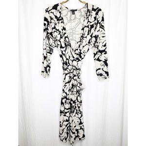 Banana Republic black and white wrap dress